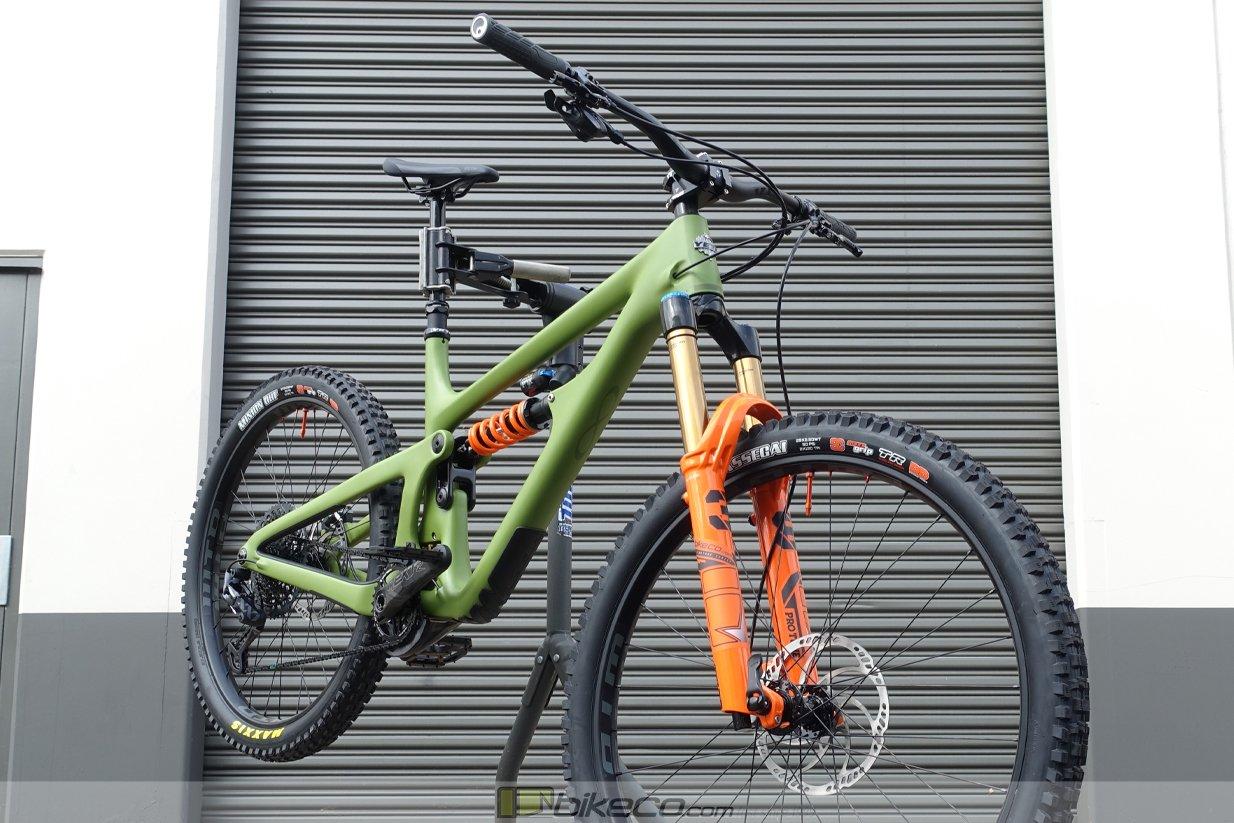 Custom Mullet Yeti SB165