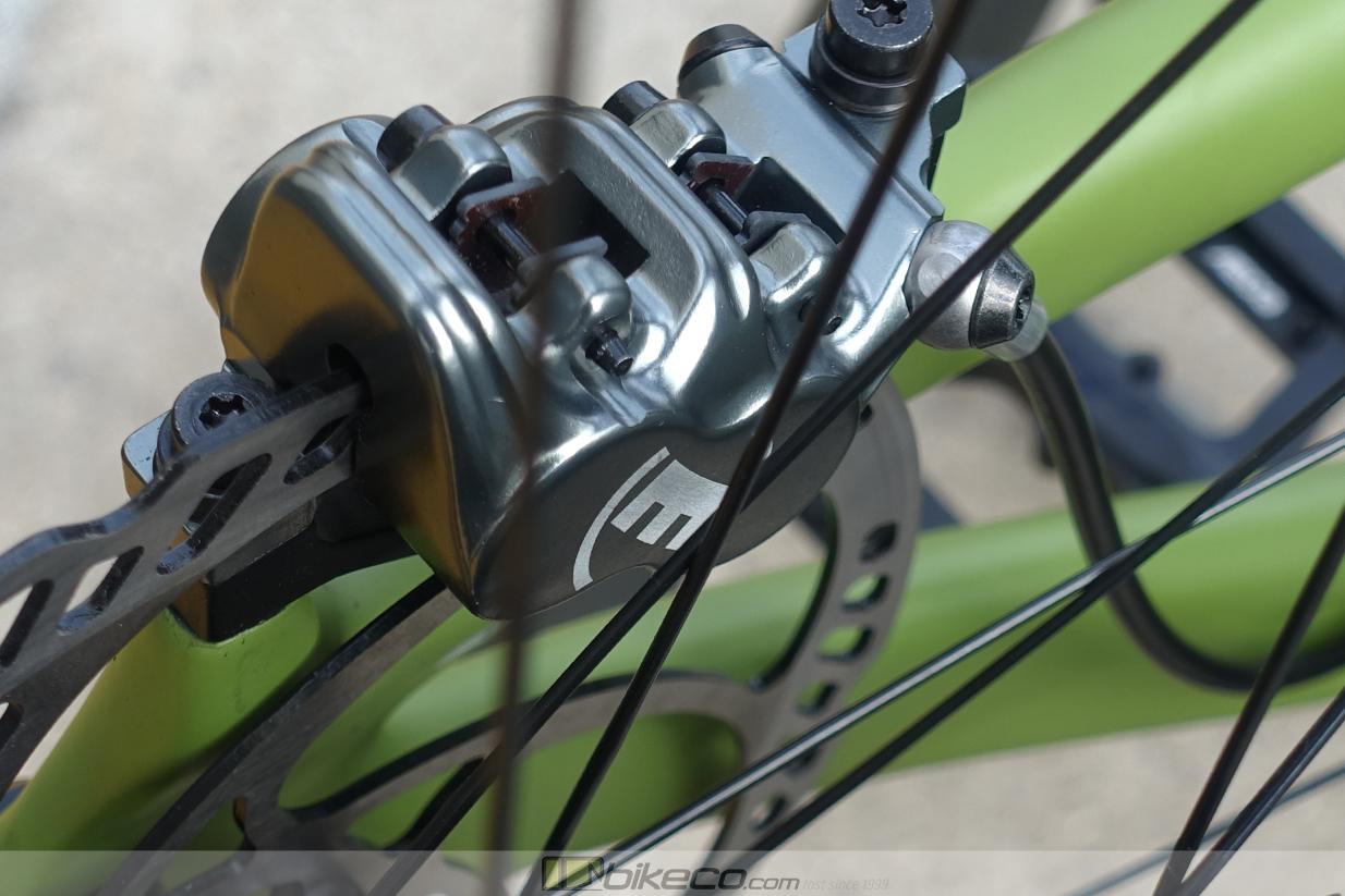 Magura MT7 Caliper on Moss Green Mullet Yeti SB165