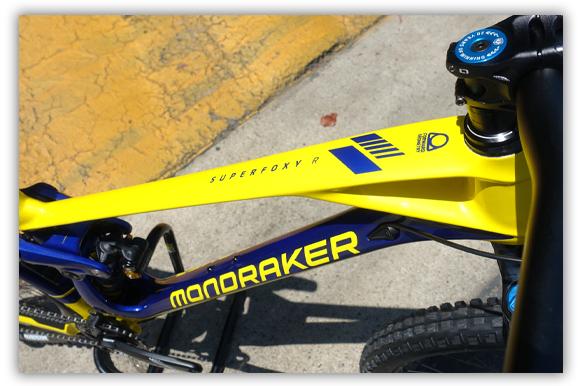 Mondraker SuperFoxy R Carbon Front Triangle